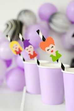 Check out this magical Hocus Pocus Halloween party! The Hocus Pocus straw flags are so much fun! See more party ideas and share yours at CatchMyParty.com #catchmyparty #partyideas #halloweenparty #hocuspocus #hocuspocusparty #halloween #halloweendrinks Halloween Party Favors, Halloween Cocktails, Halloween Cupcakes, Halloween Treats, Halloween Decorations, Halloween Activities, Hocus Pocus, Holidays Halloween, Party Printables