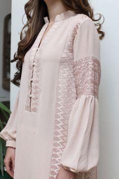 Best 11 Pastel shade with white trouser – SkillOfKing. Indian Fashion Dresses, Indian Designer Outfits, Abaya Fashion, Designer Dresses, Fashion Outfits, Sleeves Designs For Dresses, Dress Neck Designs, Stylish Dress Designs, Simple Pakistani Dresses