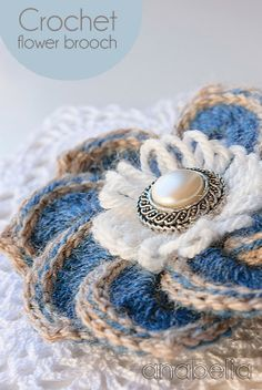 Crochet brooches by Anabelia, free chart and tutorials