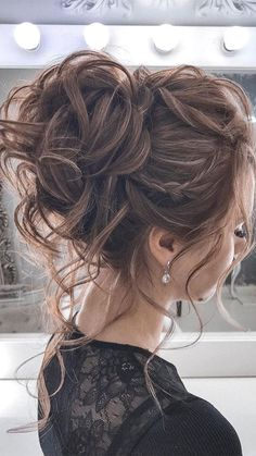44 Messy updo hairstyles - The most romantic updo to get an elegant look : 44 Romantic Messy updo hairstyles for medium length to long hair - messy updo hairstyle for elegant look, hairstyle ideas , updo, wedding updo hairstyle ,textured updo Chic Hairstyles, Braided Hairstyles Updo, Bride Hairstyles, Hairstyle Ideas, Updo Hairstyle, Elegant Hairstyles, School Hairstyles, Formal Hairstyles, Braided Updo