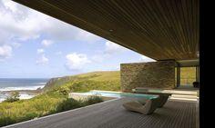 Exterior aspect of Cove 6 House near Knysna, South Africa by SAOTA and Antoni Associates Interior Exterior, Exterior Design, Interior Architecture, Cabana, Porches, Prefab Cottages, Palomar, Knysna, Outdoor Spaces