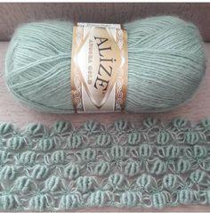 Diğer modellere bakmak için ekranı sola doğru kaydırın ☺👌🏻 . . . . . @sehnaz42konya . . #salmodelleri#orgumodelleri Diy Crafts Knitting, Easy Knitting Patterns, Free Knitting, Baby Knitting, Crochet Patterns, Gilet Crochet, Crochet Scarves, Crochet Shawl, Form Crochet