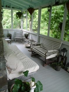 Mobile Home Remodeling Ideas - Sleeping Porch . Mobile Home Remodeling Ideas - Sleeping Porch Enclosed Porches, Decks And Porches, Screened In Porch, Remodeling Mobile Homes, Home Remodeling, Outdoor Rooms, Outdoor Living, Outdoor Tub, Sleeping Porch