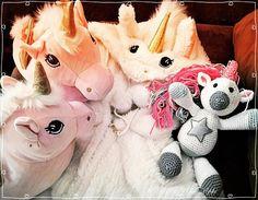 """26 mentions J'aime, 2 commentaires - Schiz'Ophé (@schizophecraft) sur Instagram: """"Ma mère m'a fait cette licorne en crochet pour Noël. C'est mon nouveau doudou🎅🦄#christmas #unicorn…"""""""