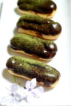 Green Tea Eclair w/Chocolate Glaze