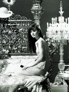 Audrey Hepburn w/hair down - even more beautiful! if that's even possible!