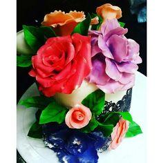 Cake with Gumpaste flowers!
