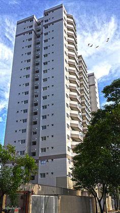 Edifício residencial na Rua Coroados, no Aterrado em Volta Redonda - RJ.