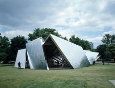 Serpentine by Libeskind