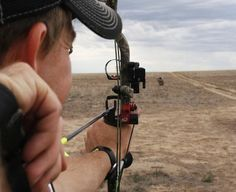 """Tips for Improving Long Distance Bow Shooting Homesteading - The Homestead Survival .Com """"Please Share This Pin"""" Archery Tips, Archery Hunting, Archery Training, Archery Range, Pse Archery, Archery Arrows, Crossbow Hunting, Hunting Rifles, Outdoor Life"""
