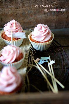 Cupcakes med rødbede og pastinak