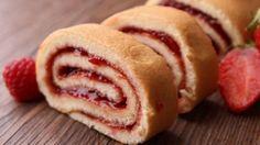 طريقة عمل سويس رول بحشوة مربى الفراولة - Swiss roll stuffed with strawberry jam recipe