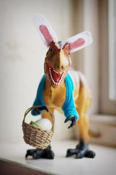 Easter T-Rex - now I want a t-rex that I can make little holiday outfits for, like the crazy people with their concrete geese in their front yards bunny funny hilarious humor toys, easter and eggs image on We Heart It Hoppy Easter, Easter Bunny, Easter Eggs, Ben Easter, Easter Crafts, Holiday Crafts, Holiday Fun, Easter Decor, T Rex Jurassic Park