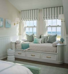 This built-in daybed with a view works as an extra sleeping space for friends visiting this Nantucket, Massachusetts, family beach house and as an everyday reading or lounging nook. Beach House Bedroom, Diy Home Decor Bedroom, Beach House Decor, Beach Houses, Beach Cottage Style, Built In Daybed, Window Benches, Window Seats, Design Furniture