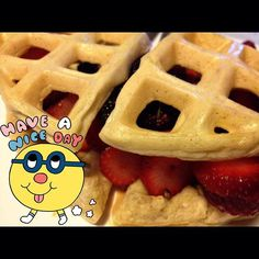 Bom dia com wafflesandwich de frutas vermelhas!!!  Good morning with red berries wafflesandwich!!! #paleo #paleolife #paleoliving #paleolifestyle #bomdia #goodmorning #paleobreakfast #wafflespaleo #wafflesandwich #ladopaleodaforça ❤️❤️❤️