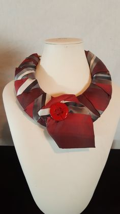 Scarf Jewelry, Textile Jewelry, Fabric Necklace, Diy Necklace, Necktie Quilt, Old Ties, Tie Crafts, African Accessories, Diy Scarf