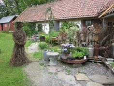 Lerkedama ønsker velkommen til Hedleshaug Pil, Plants, Plant, Planets