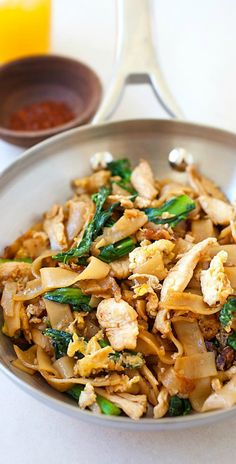 Pad See Ew - popular Thai rice noodles with chicken and vegetables. Easiest and best homemade pad see ew recipe, much better than restaurants and takeouts | rasamalaysia.com