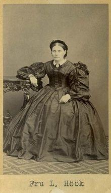 """Fru Luise Höök, f. Helmberg"" (Mrs Louise Höök, maiden name Helmberg), Sweden, 1860's. Bohusläns Museum, nr. UMFA53226:0724"