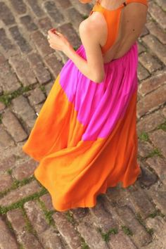 Colour blocking - pink and orange dress. Estilo Fashion, Love Fashion, Fashion Models, Womens Fashion, Diy Fashion, Date Outfits, Summer Outfits, Summer Dresses, Summer Maxi