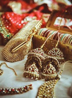Indian bridal jewellery. Clutch, bangles