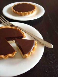 Chocolate-Tart. Superlekkere chocolade ganache taart. De ganache stijft goed op maar blijft toch smeuïg.
