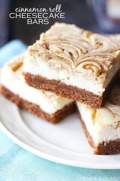 Cinnamon Roll Cheesecake Bars - Creme de la Crumb~T~ A graham cracker crust with a cinnamon roll filling and a cheesecake layer. Cinnamon Roll Cheesecake, Cheesecake Bars, Cheesecake Recipes, Dessert Recipes, Marshmallow Cheesecake, Toasted Marshmallow, Baking Recipes, Tolle Desserts, Just Desserts