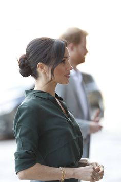 From Kate Middleton's bouncy loose waves to Meghan Markle's chameleon-like ability to mix it up, here are the best royal hairstyles of all time. Royal Hairstyles, Bun Hairstyles, Wedding Hairstyles, Meghan Markle Hair, Meghan Markle Style, Princess Meghan, Prince Harry And Meghan, Royal Fashion, Star Fashion