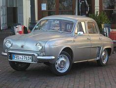 Pour compléter sa gamme Dauphine, Renault sort l'Ondine au début des années 1960 pour viser une clientèle à la recherche de confort…