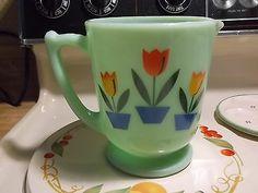 Jadeite Dutch Tulip 4 Cup Measuring Cup in Excellent Condition