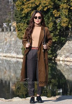 Slip Dress Outfit, Black Slip Dress, Ootd Winter, Winter Travel Outfit, Anne Curtis Outfit, Italy Street Fashion, Kathryn Bernardo Outfits, Japan Outfits, Trendy Outfits