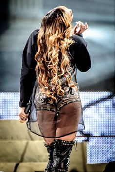 Rihanna, Diamond World Tour 2013.