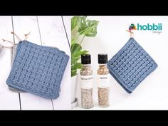 In this video you will learn how to crochet the waffle stitch potholders, working in US Terms. STEP-BY-STEP 👀 The project is worked holding 2 strands togethe. Crochet Waffle Stitch, Knit Or Crochet, Learn To Crochet, Crochet Crafts, Crochet Hooks, Cordon En Cuir, Crochet Accessories, Leather Cord, Washing Clothes