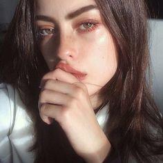 "nastygall: "" Alissa Salls "" she bites Makeup Goals, Makeup Inspo, Makeup Inspiration, Makeup Ideas, Makeup Hacks, Natural Glow, Natural Makeup, Simple Makeup, Natural Beauty"