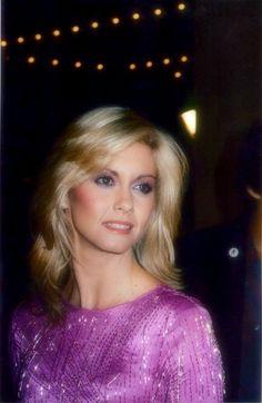 Olivia Newton John-stunning!!