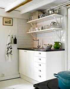 Minimalist Kitchen Self Design Ideas 1 Kitchen Cabinet Handles, Kitchen Cabinets, Kitchen Wood, Kitchen White, Ikea Kitchen, Vintage Kitchen, Kitchen Colors, Kitchen Design, Design Autos
