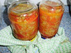 Recept jak připravit Zeleninové lečo na zavaření. Jak uvařit Zeleninové lečo na zavaření doma. Recept s ingrediencí paprika (kapie), rajče, cibule, rostlinný olej. Obyčejný den, Česká Salsa, Jar, Food, Red Peppers, Salsa Music, Meals, Yemek, Eten, Glass