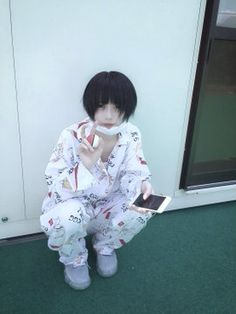 あの(@aNo2mass)さん / Twitter Ulzzang Hair, Ulzzang Boy, Cute Japanese Boys, Japanese Girl, Human Poses Reference, Japanese American, Boy Poses, Girl Short Hair, Retro Aesthetic