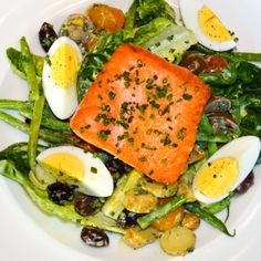 Proof that salads don't have to be boring: The Henry's Pan Roasted Salmon Nicoise salad served with fingerling potatoes, haricot vert, tomato, egg, olives, and green goddess dressing. Mmm.