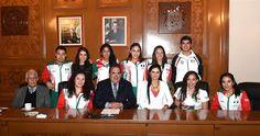 Atletas hidrocálidos que estuvieron en Toronto 2015, visitan al Gobernador de Aguascalientes ~ Ags Sports