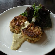 Instead of bread crumbs, chef Stephanie Sokolove uses crushed pretzels to bind and crust her chunky crab cakes. She sometimes bakes them in her outdoor oven. Crab Cake Recipes, Seafood Recipes, Seafood Dishes, Crab Cakes, Salmon Cakes, Wine Recipes, Cooking Recipes, Cookbook Recipes, Crab Sandwich