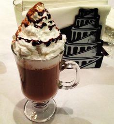 BOM DIA! Lembre-se: Cada dia nasce de novo amanhecer.  Inclua o Irish #Coffee no seu Café da manhã: Espresso, Whisky, Rum ou Conhaque com Baileys e Chantilly.