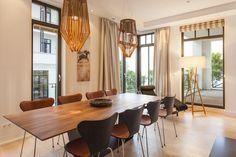 CLIC richtet Luxus Ferienwohnungen auf Rügen ein - Appartement Claire  #interiordesign #esstisch Interiordesign, Conference Room, Table, Projects, Furniture, Home Decor, Dinner Table, Homes, Log Projects