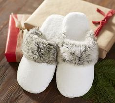 The ultimate in luxurious comfort, our superior-quality faux fur robe is as indulgent as it is beautiful. The faux fur trim is exceptionally woven from the finest materials for a sumptuously plush feel, and its handsome texture beautifully emulate… White Slippers, Best Slippers, Fuzzy Slippers, Crocheted Slippers, Felted Slippers, Cool Gifts For Teens, Birthday Gifts For Teens, Christmas Gifts For Teen Girls, Family Christmas