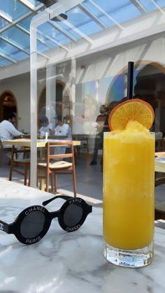Fancy Drinks, Summer Drinks, Think Food, Love Food, Summer Aesthetic, Aesthetic Food, Alcoholic Drinks, Beverages, Cocktails