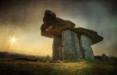 Poulnabrone Dolmen 2 - The Burren, Co Clare | Flickr - Photo Sharing!