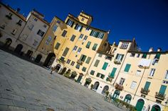 Piazza dell'Anfiteatro | Flickr – #Lucca