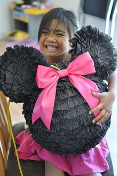 piñata minnie mouse rosa y negro