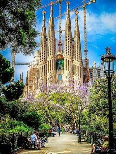 Barcelona, Spain. -Sagrada Familia, Barcelona, Spain | Cool Places