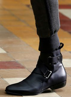 whore-for-couture: hautekills: Lanvin menswear. Mens Shoes Boots, Mens Boots Fashion, Leather Boots, Men's Shoes, Shoe Boots, Dress Shoes, Tods Shoes, Fashion Fashion, Lanvin